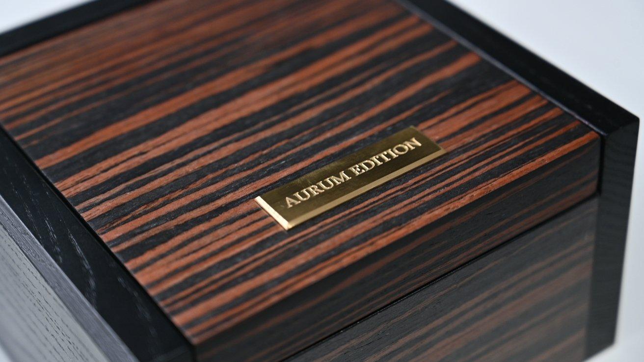 Aurum-Edition تجربه بسته بندی را با ساعت های پیشرفته سنتی قابل مقایسه کرده است.