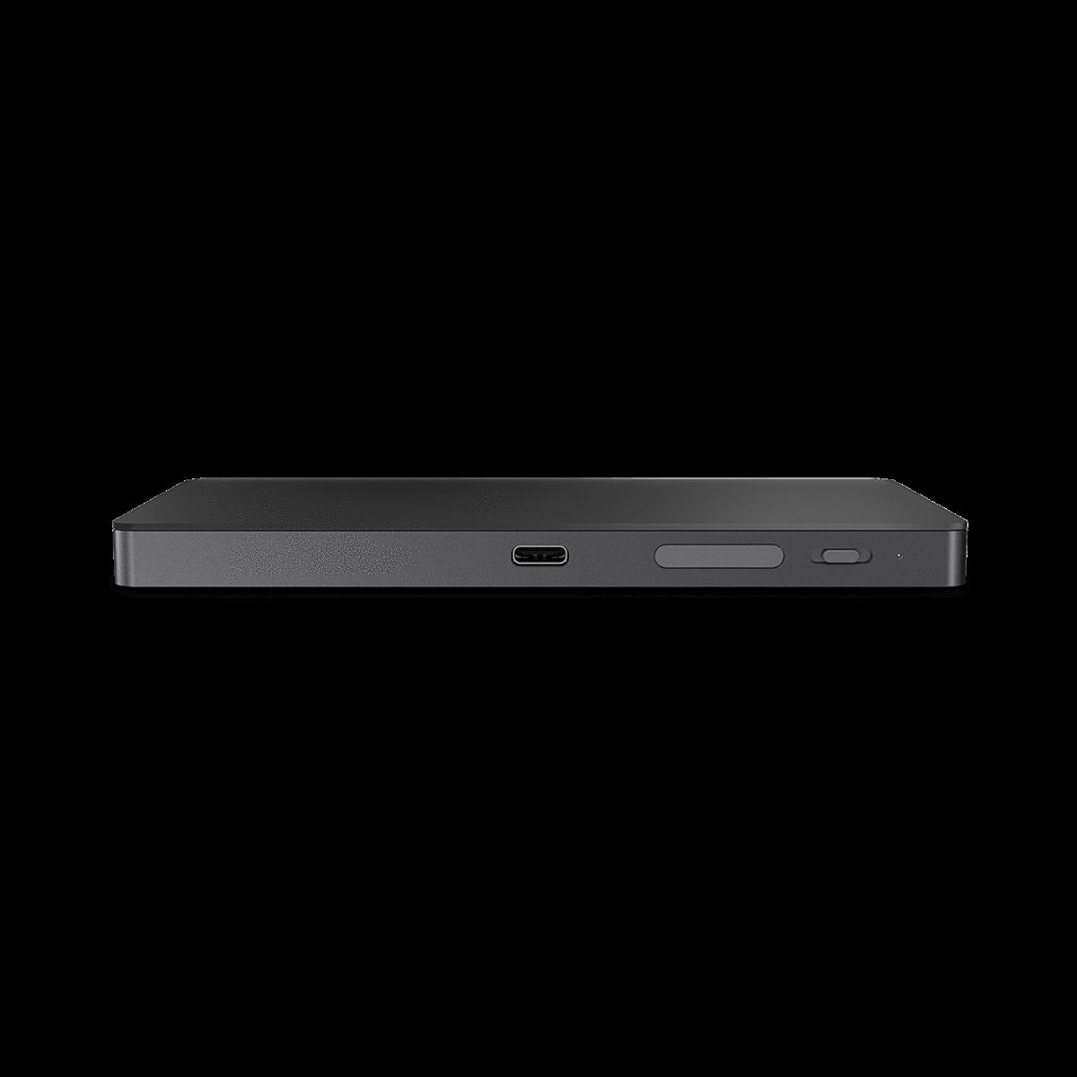 پورت شارژ USB-C و پورت آنتن در trackpad iTrack